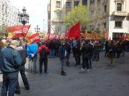 Concentración sindicatos frente sede patronal en defensa del salario, contra laprecariedad y los derechos sociales.